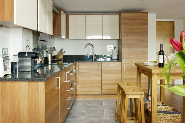 Modern Kitchen Trends 2019 Bringing Two Tone Wood Cabinets