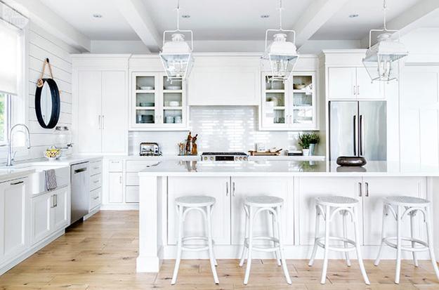 Inspiring Cottage Decor Black And White Decorating Ideas