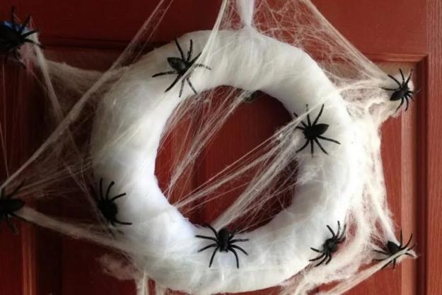DIY Holiday Decorations, Creative Spider Webs for ...