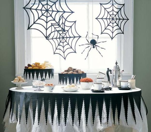 DIY Holiday Decorations, Creative Spider Webs For