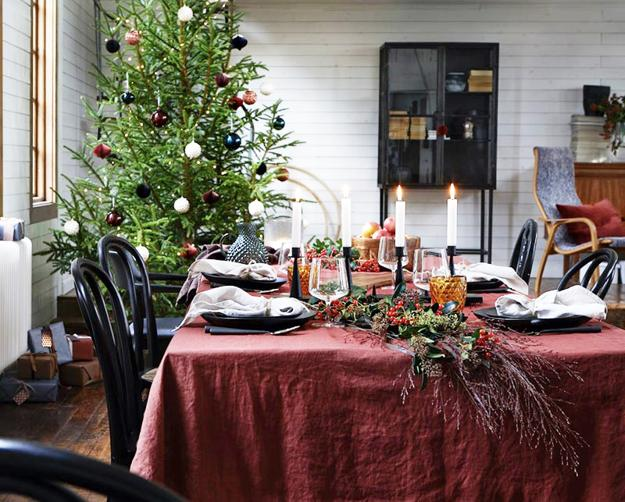 Cozy Christmas Decorating Ideas And Modern Colors For Your