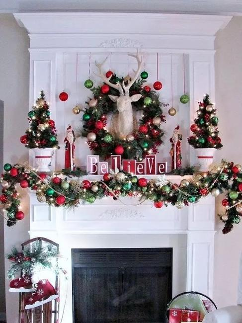 Traditional Christmas Garlands And Lights Chic Fireplace