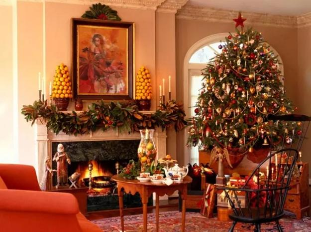 chic christmas lighting ideas for home decorating | Traditional Christmas Garlands and Lights, Chic Fireplace ...
