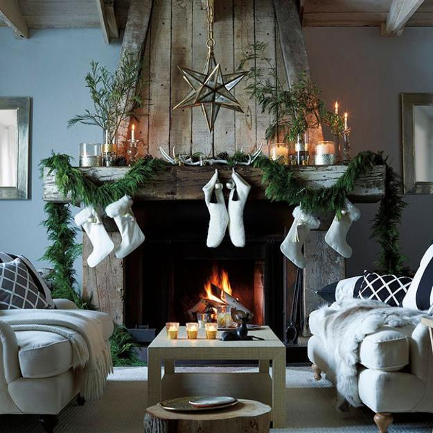 Traditional Christmas Garlands And Lights, Chic Fireplace