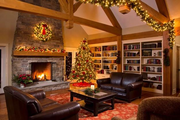 Traditional Christmas Garlands And Lights Chic Fireplace Decorating Ideas For Winter Holidays