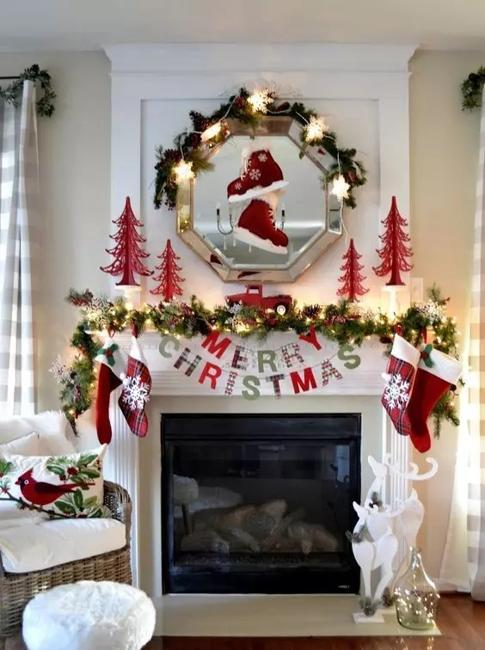 traditional christmas garlands  lights chic fireplace decorating ideas  winter holidays