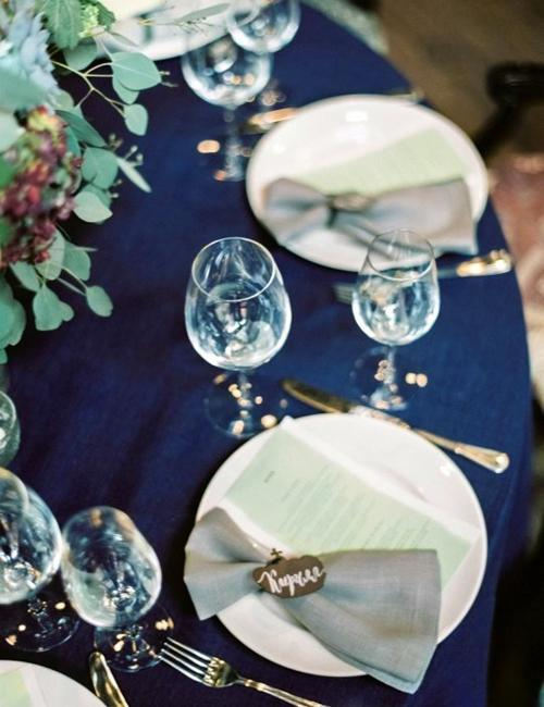 Indigo Blue Christmas Colors Table Decorations And Setting Ideas