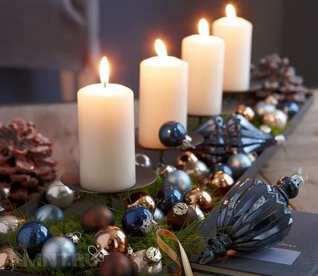Indigo Blue Christmas Colors, Table Decorations And