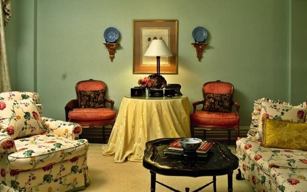 outstanding green living room wall color | Neutrals Lose to Green Colors, Modern Interior Color ...