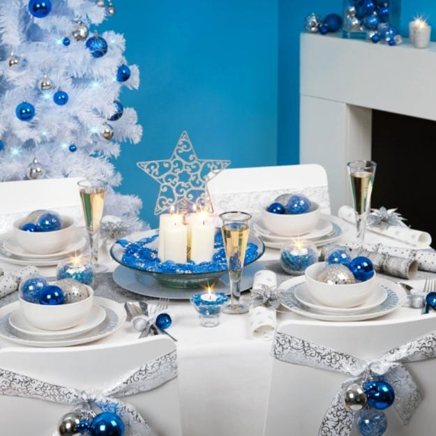 Blue And White Christmas Colors Elegant Cool Color Combinations For Holiday Decor,How To Make A Walk In Closet Sims 4
