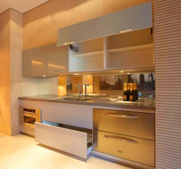 Golden Kitchen Cabinets And Backsplash Ideas Giving Glamorous Look