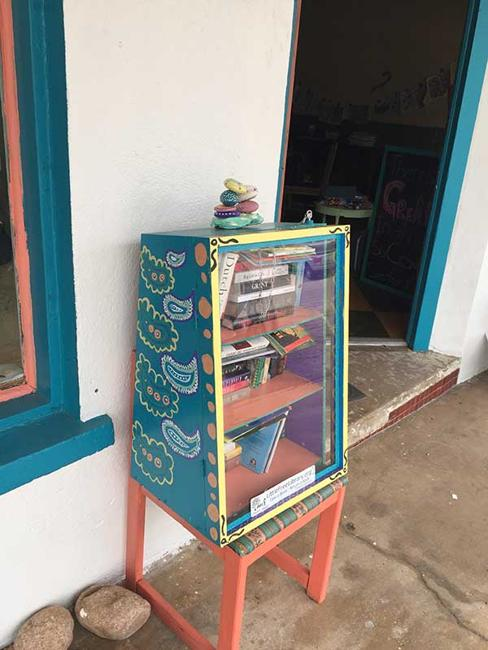 Cute Little Free Library Design Ideas Recycling For Gifts And Yard Decorations