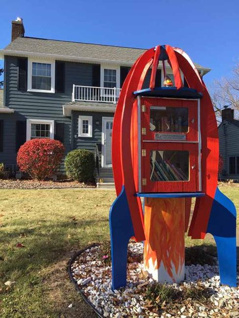 Home Library Decorating Ideas: Cute Little Free Library Design Ideas, Recycling For Gifts
