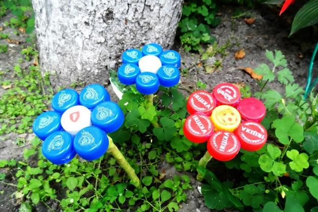 Green Ideas Recycling Plastic Bottle Caps For Crafts And Art