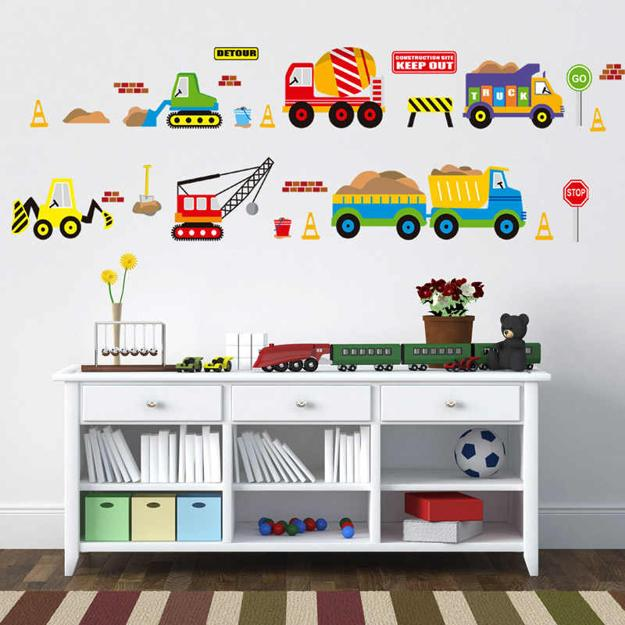 21 Creative Accent Wall Ideas For Trendy Kids Bedrooms: Modern Wall Decorations For Car Fans, Masculine Theme Ideas