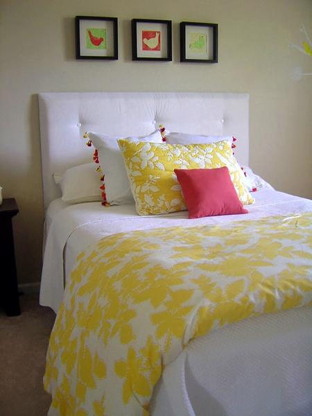 white yellow red bedding set