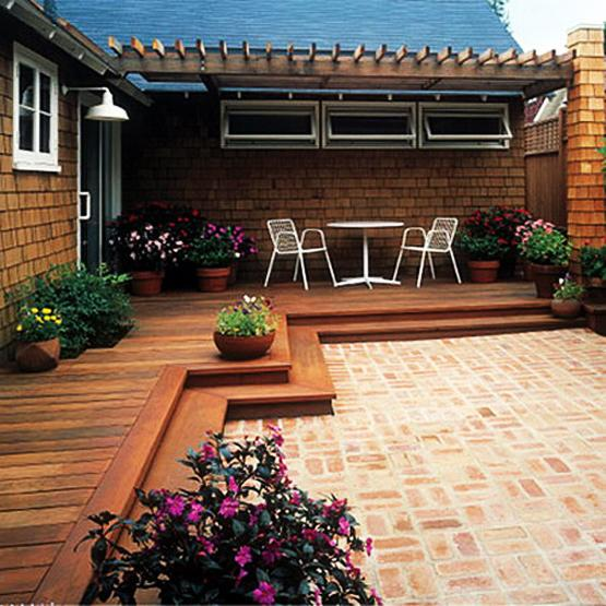 Practical Decorating Ideas for Small Wooden Decks, Outdoor ...