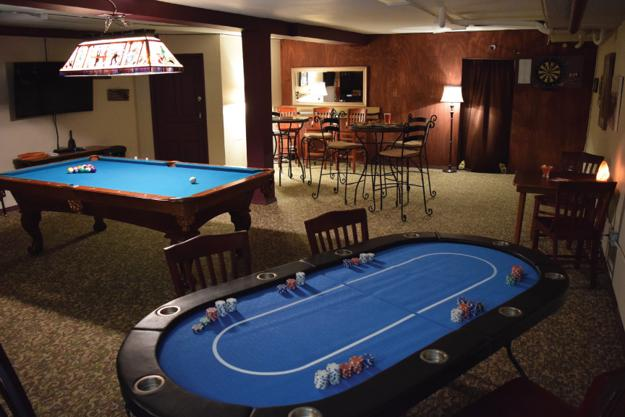 How to create functional game room design modern - Family game room ideas ...