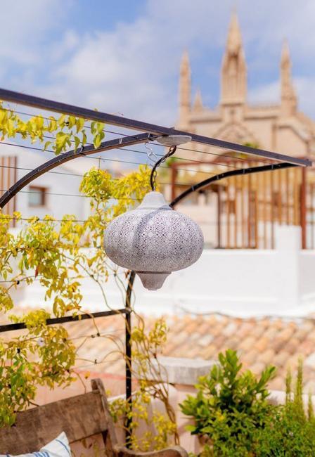 Summer Decorating Ideas, Mediterranean Terrace Decor in ...