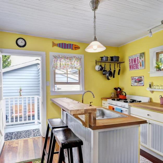 excellent white kitchen yellow accents | Bright Yellow and White Decorating Ideas, Sunny Color ...