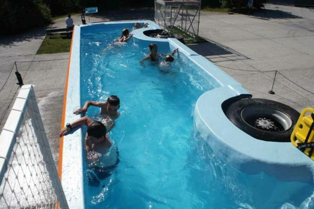 Recycling Old Buses For Swimming Pools Green Living Ideas