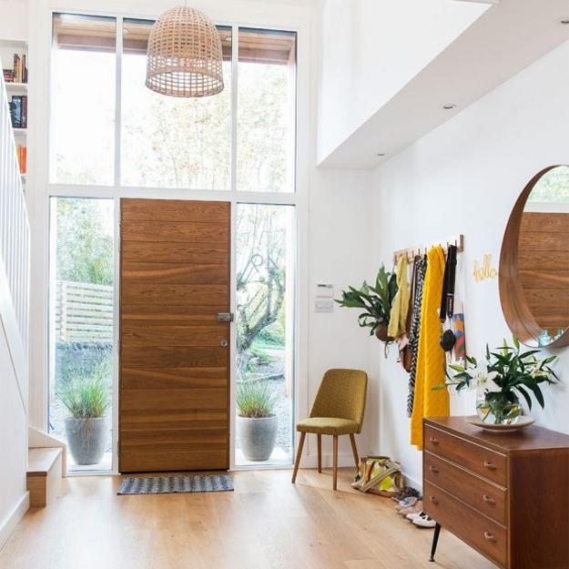 11 Home Staging Tips And Stylish Entryway Ideas For Small