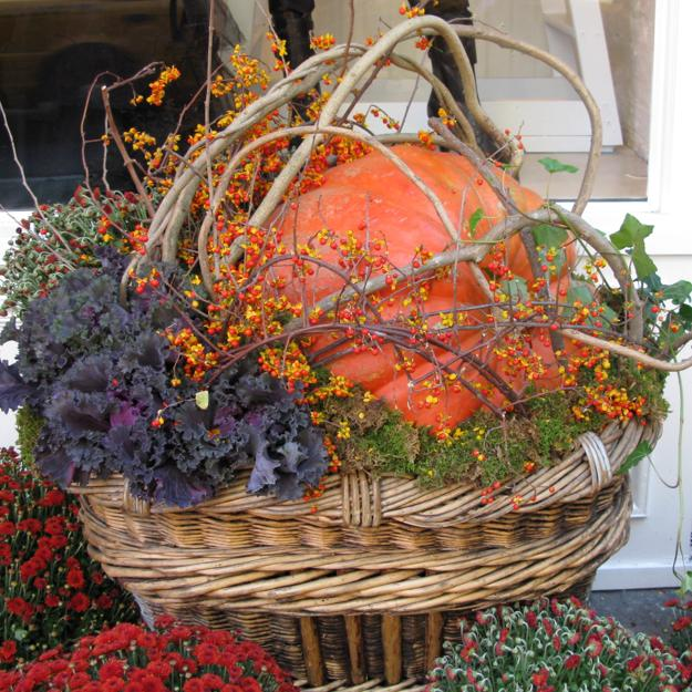 Home Design Ideas Handmade: Spectacular Fall Decorations And Yard Installations