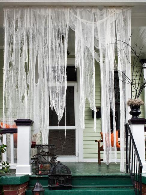black white decorating ideas for halloween door