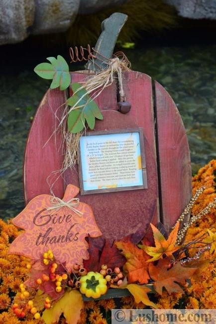 woodcraft fall decorating