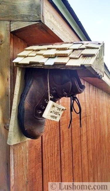 Recycling Boots For Original Birdhouses, DIY Design Ideas