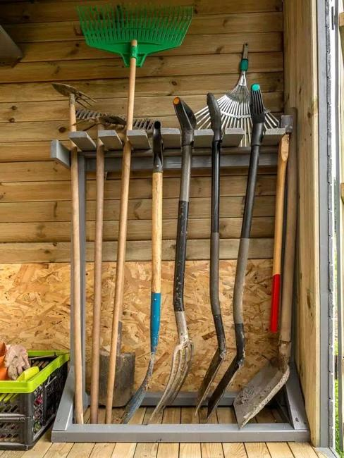 How to Organize Large Gardening Tools, 30 Ideas and DIY ...