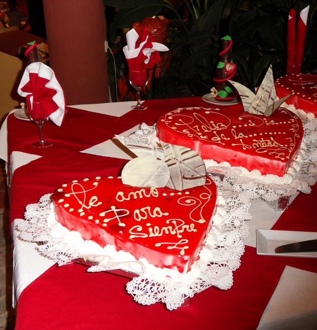 red heart cake decoration