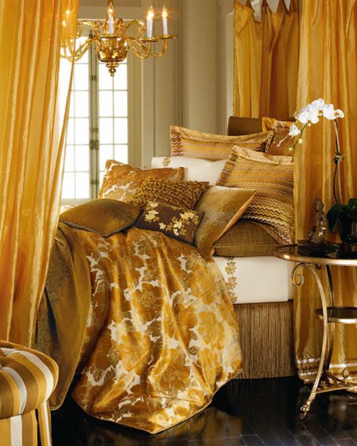 golden yellow bedroom decorating