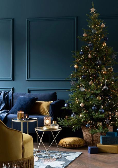 golden christmas tree decorations