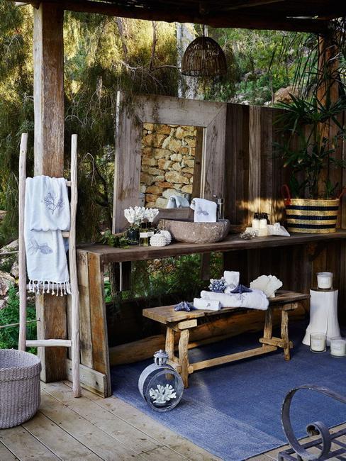 blue white outdoor home decor