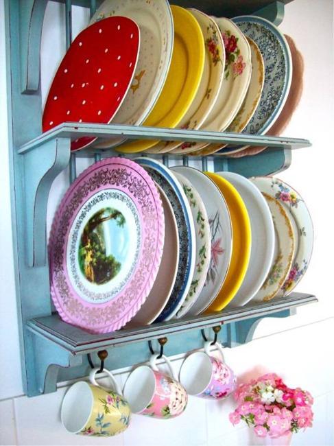kitchen trends vintage decor plates